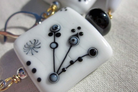 Close up of Artisan Lampwork by Pixie Willow, copyright Honey from the Bee