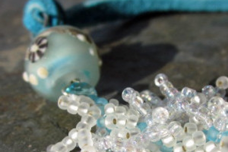 Aqua and White Artisan Necklacehttp://honeyfromthebee.indiemade.com/product/ocea
