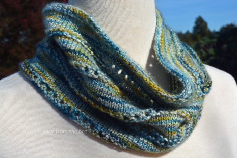 Cashmere and silk knitted cowl