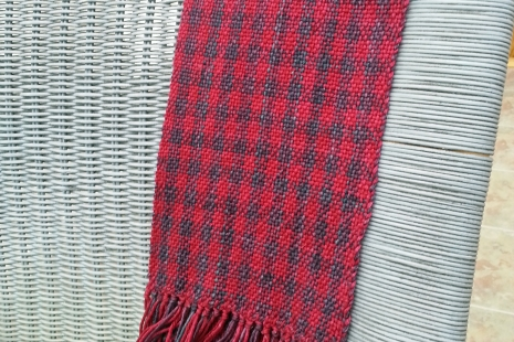 Deep Berry woven scarf in merino