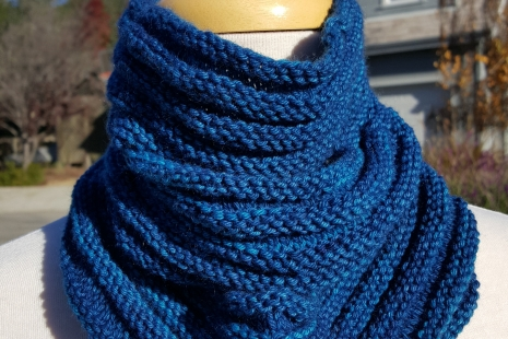 Royal Blue knitted cowl