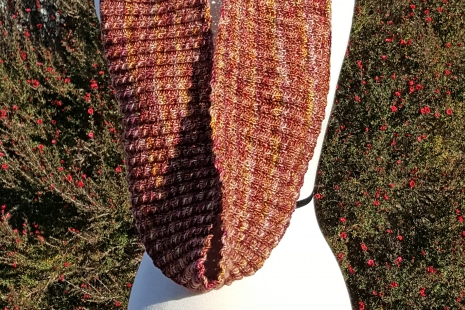 Long Rose knit cowl
