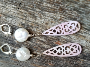 Paris - Coin pearl and shell earrings