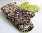 Quilted Oven Mitts for the Modern Kitchen - PeppermintPinwheels